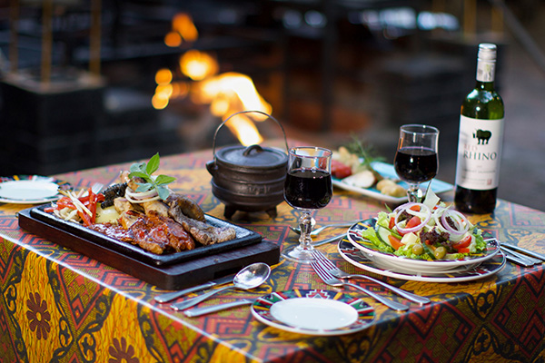 The Boma Restaurant, Dinner Setup