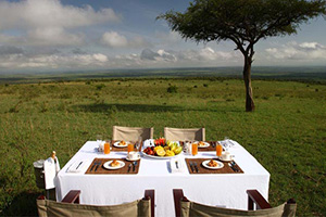 Outdoor Dining in the Mara